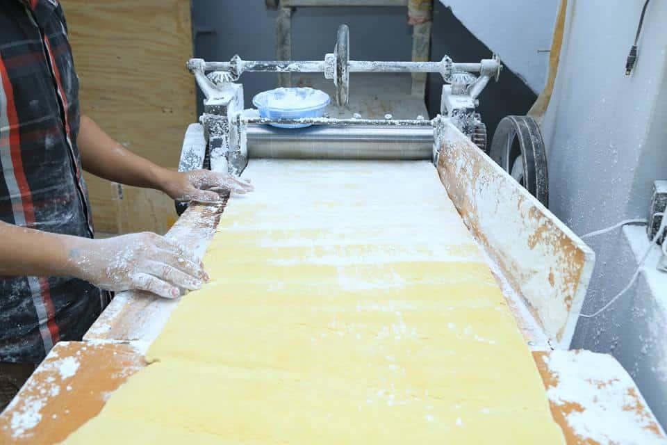 máy cán bột mì