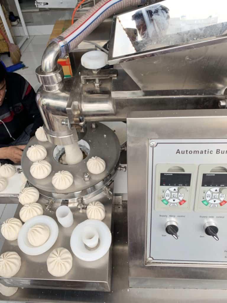 máy tạo hình và làm bánh bao tự động